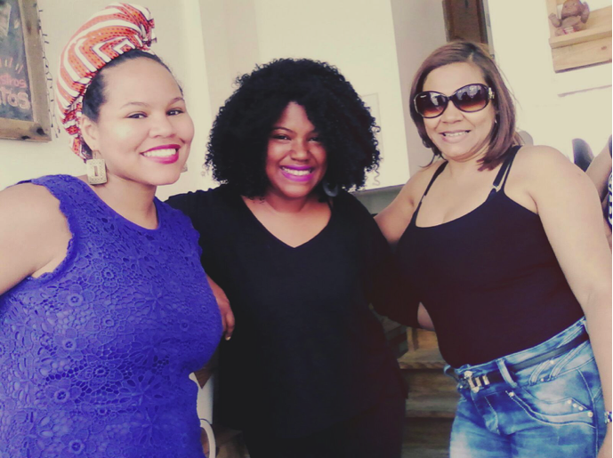 The author (L) with Carolina Contreras, founder of Miss Rizos Salon, and the author's mother (Jan 2016)